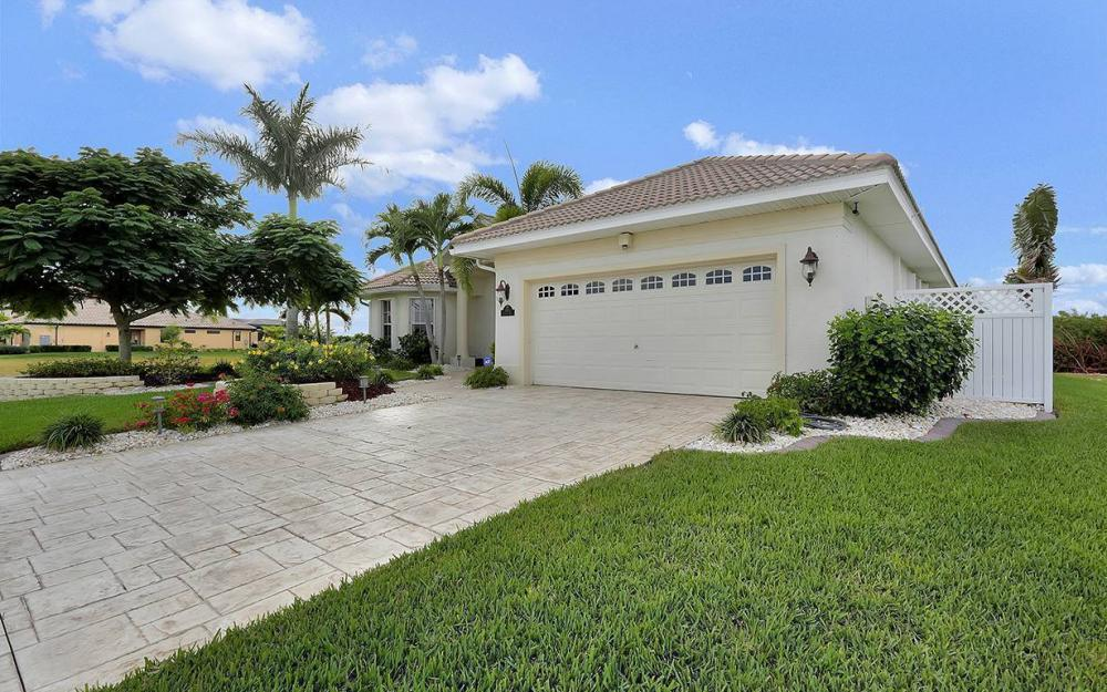 3804 Surfside Blvd, Cape Coral - House For Sale 1333016064