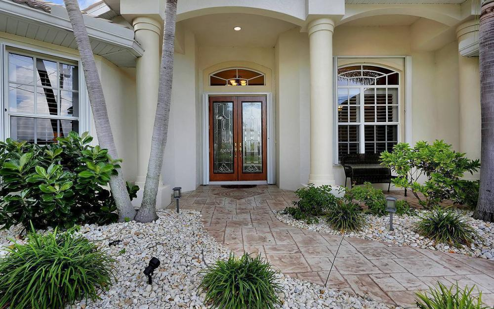 3804 Surfside Blvd, Cape Coral - House For Sale 2119534588