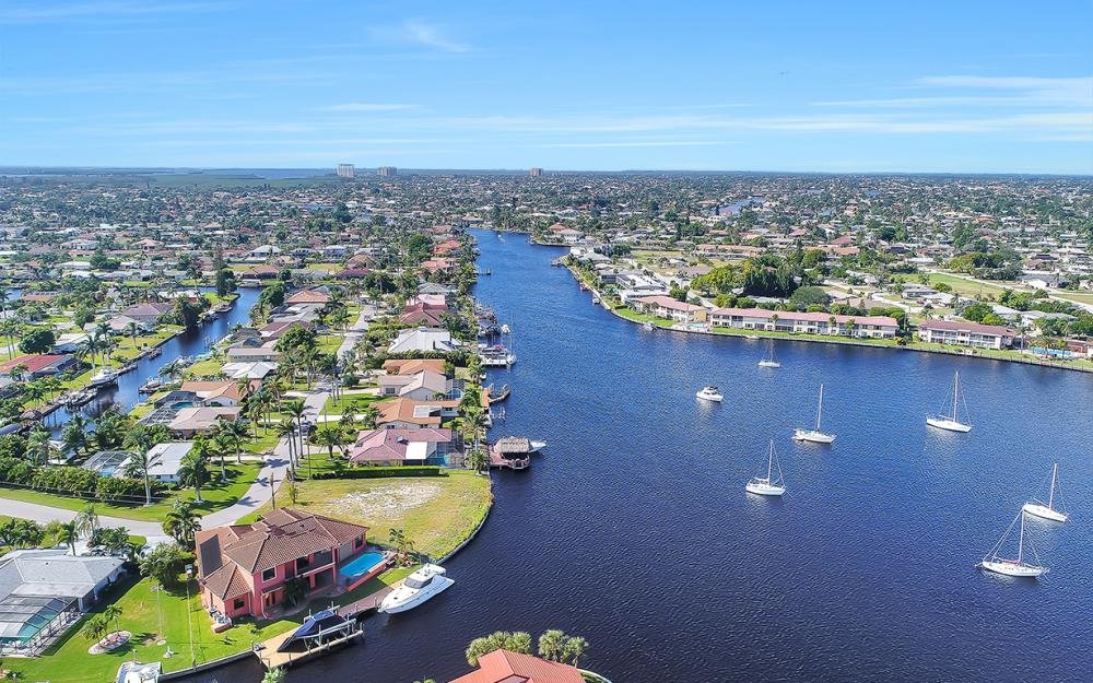 443 Avalon Dr, Cape Coral - Lot For Sale 834182930