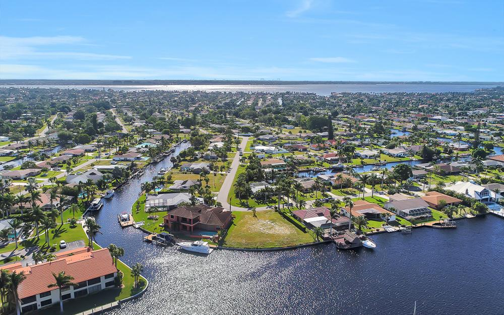 443 Avalon Dr, Cape Coral - Lot For Sale 1186773185