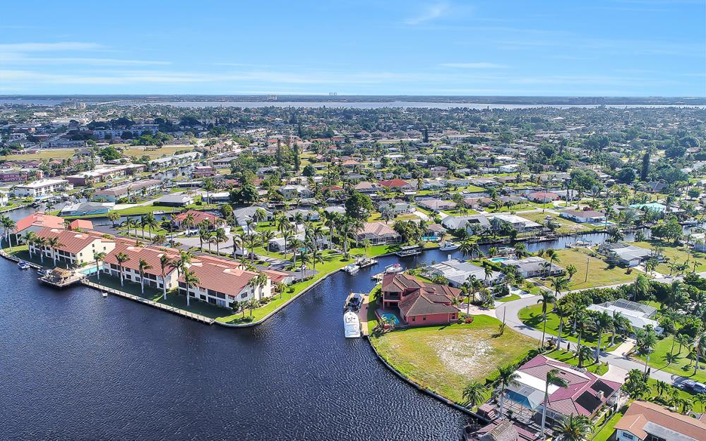 443 Avalon Dr, Cape Coral - Lot For Sale 1702597322