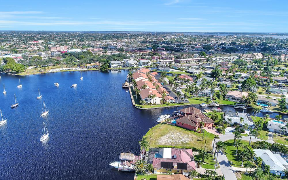 443 Avalon Dr, Cape Coral - Lot For Sale 638754157