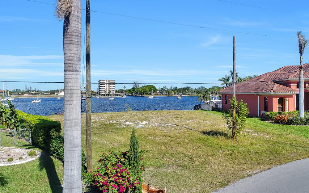 443 Avalon Dr, Cape Coral - Lot For Sale 1704799402