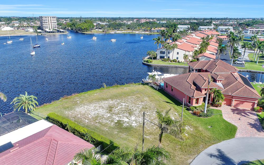 443 Avalon Dr, Cape Coral - Lot For Sale 1774975357