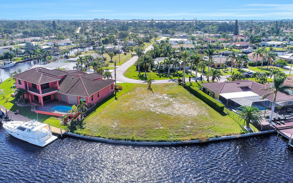 443 Avalon Dr, Cape Coral - Lot For Sale 632809278