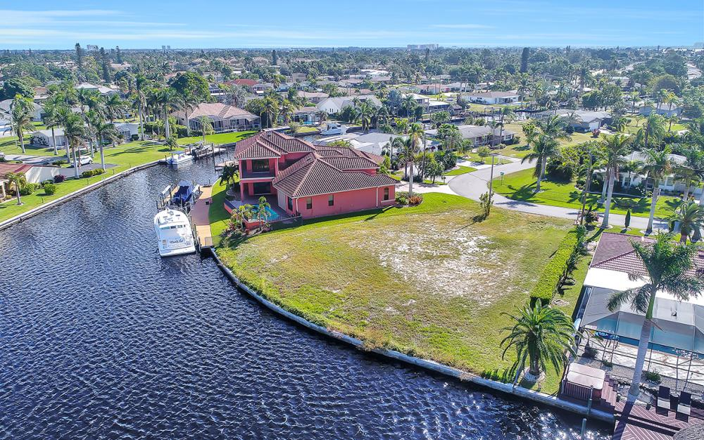 443 Avalon Dr, Cape Coral - Lot For Sale 2024206045