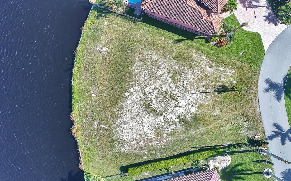 443 Avalon Dr, Cape Coral - Lot For Sale 674366933