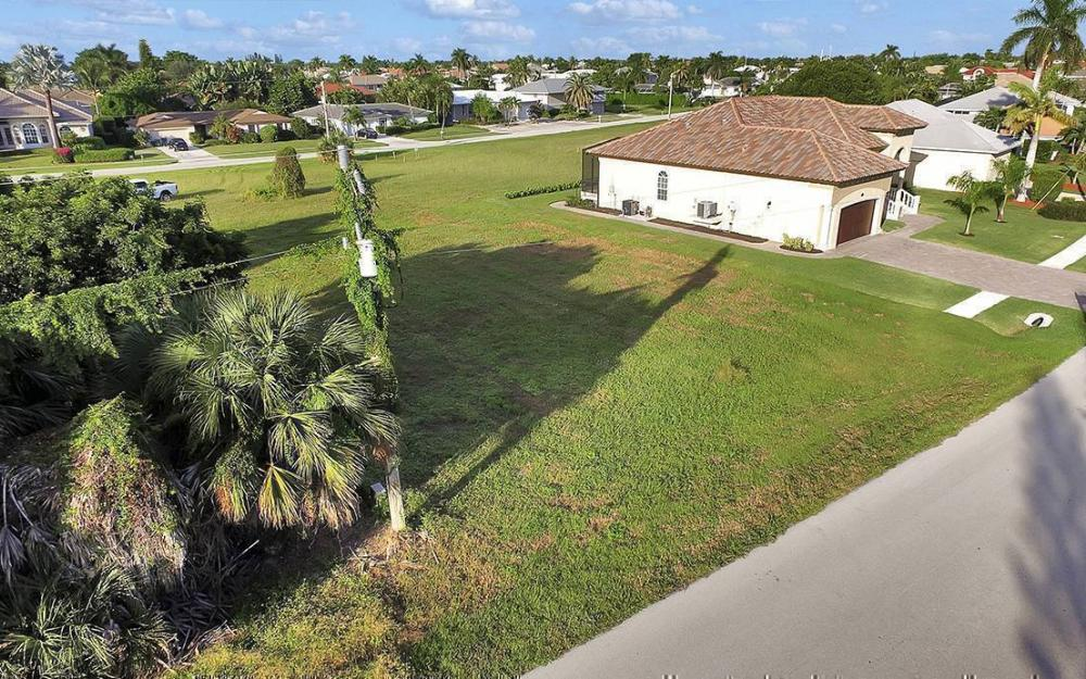 824 Amber Dr, Marco - Lot For Sale 1284540389