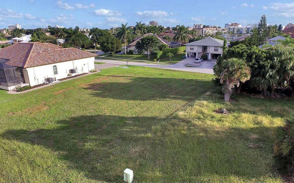 824 Amber Dr, Marco - Lot For Sale 1859696575