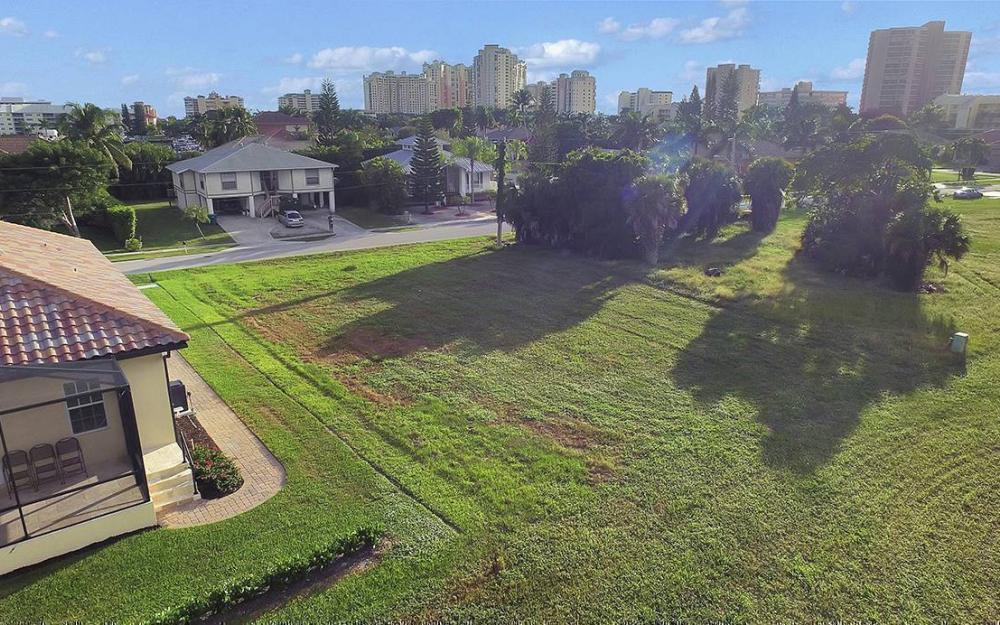 824 Amber Dr, Marco - Lot For Sale 198118354