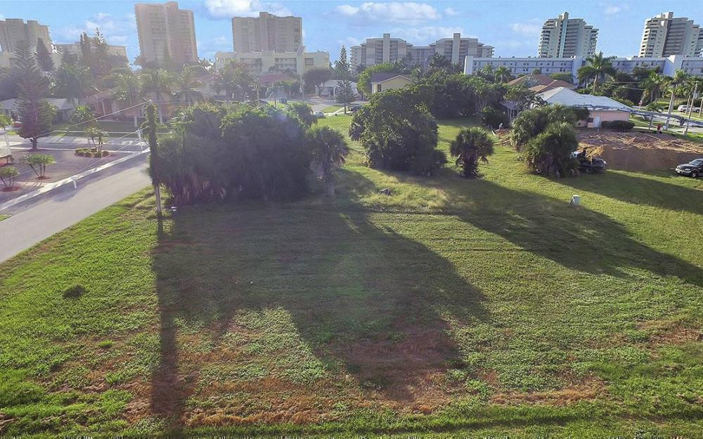 824 Amber Dr, Marco - Lot For Sale 1263393718