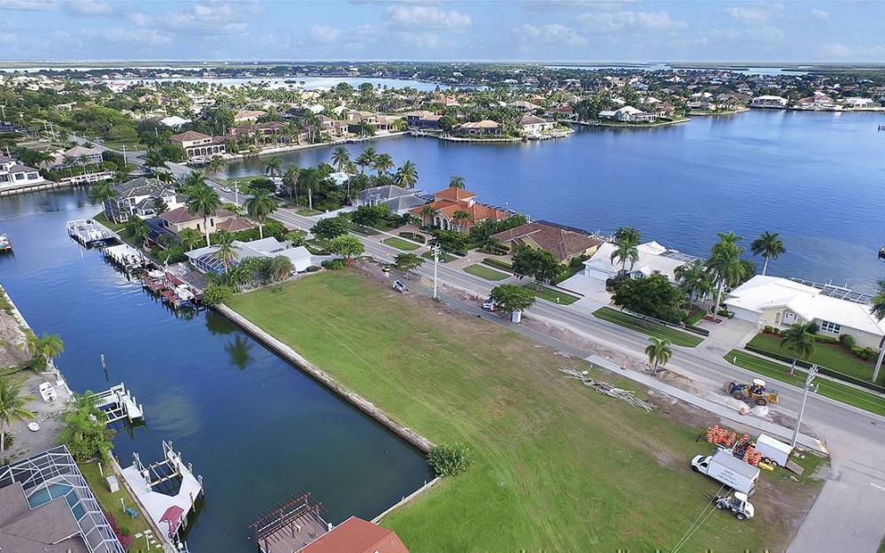 1258 Winterberry Dr, Marco Island - Lot For Sale 52092104