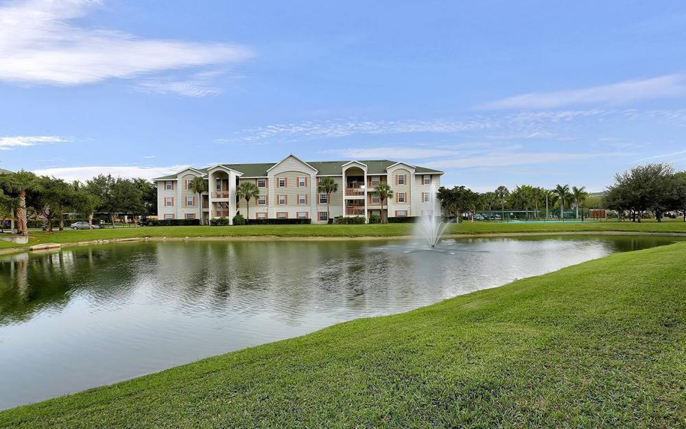 1775 Four Mile Cove Pkwy #1220, Cape Coral - Condo For Sale 1936076975