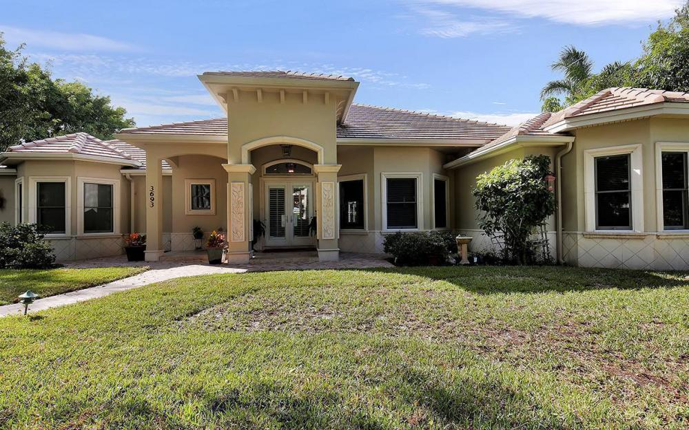 3693 Belair Ln, Naples - House For Sale 181277544