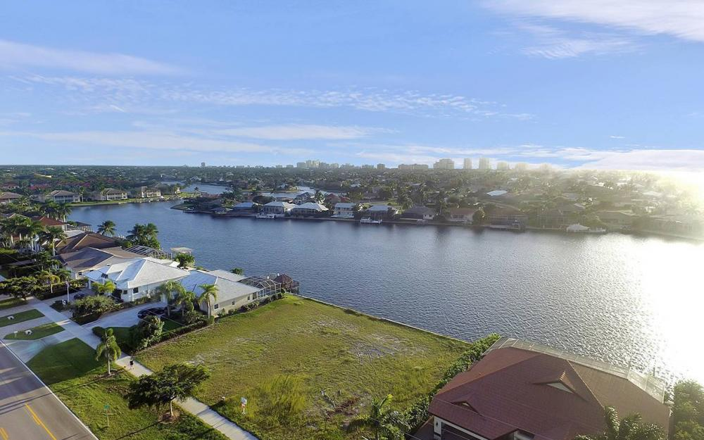 332 Bald Eagle Dr, Marco Island - Lot For Sale 2081092511