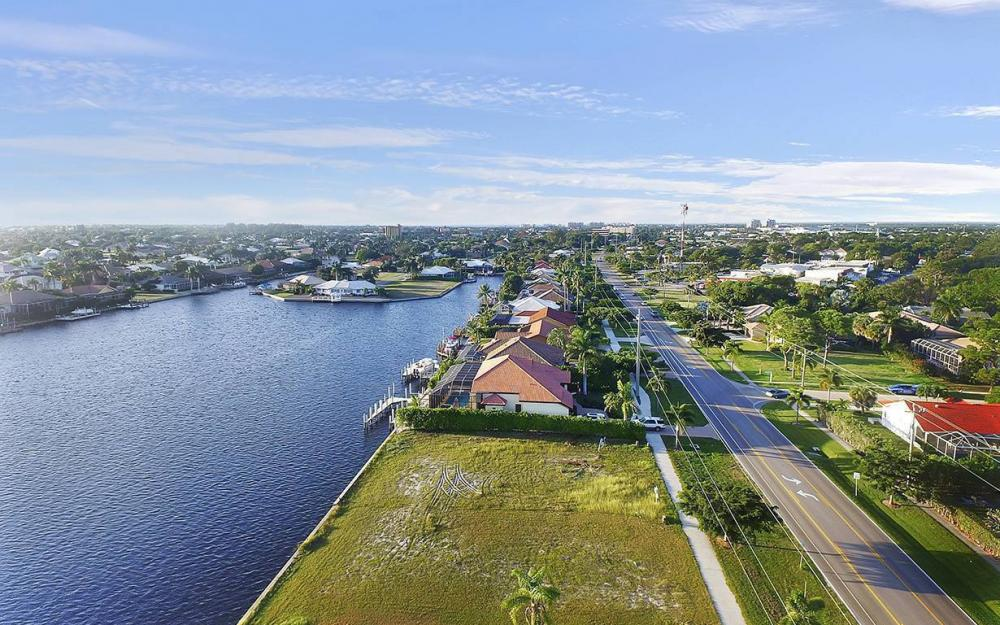 332 Bald Eagle Dr, Marco Island - Lot For Sale 1057020998
