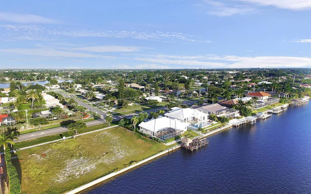 332 Bald Eagle Dr, Marco Island - Lot For Sale 1061353245