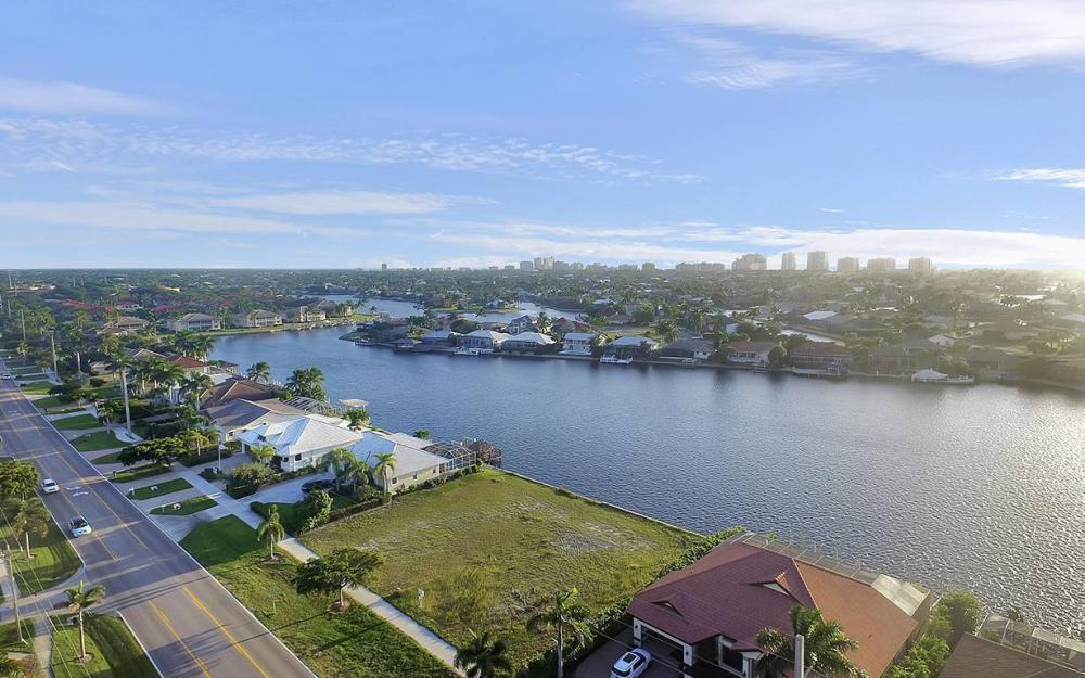 332 Bald Eagle Dr, Marco Island - Lot For Sale 486962626