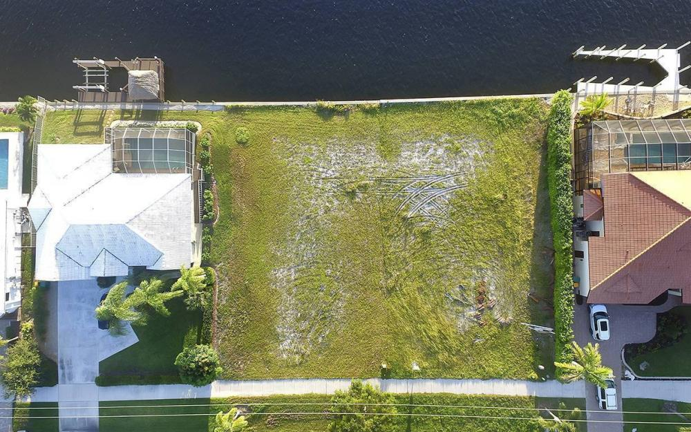 332 Bald Eagle Dr, Marco Island - Lot For Sale 378198338