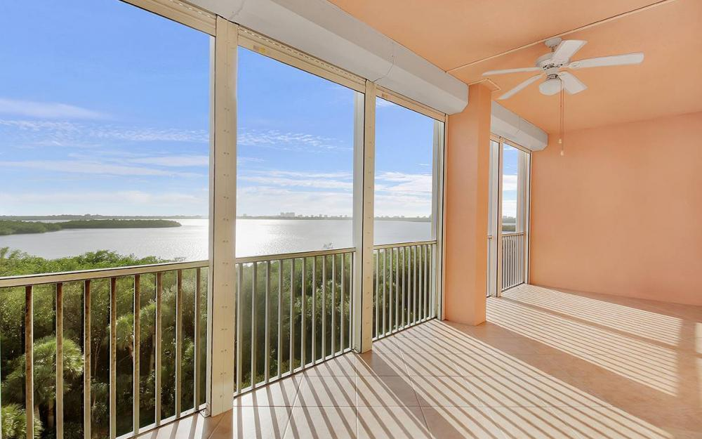 201 Vintage Bay Dr B-26, Marco Island - Condo For Sale 537617086