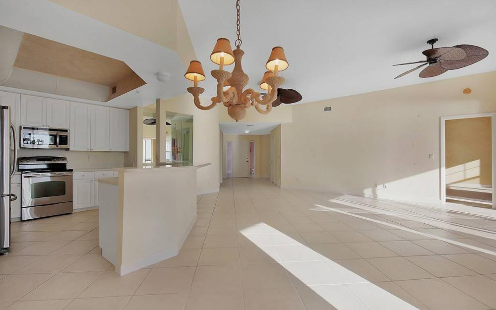 201 Vintage Bay Dr B-26, Marco Island - Condo For Sale 93450974