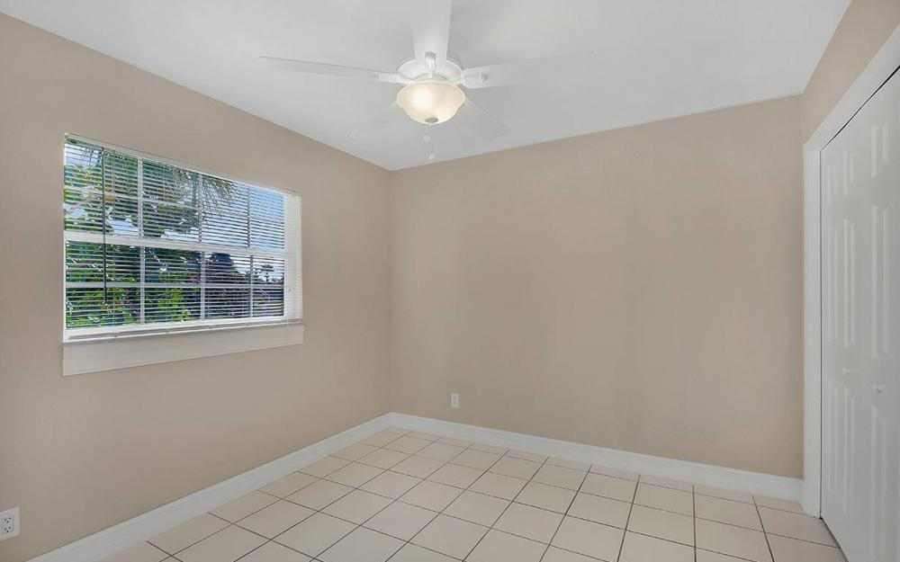 828 Miramar Ct, Cape Coral - House For Sale 331799120