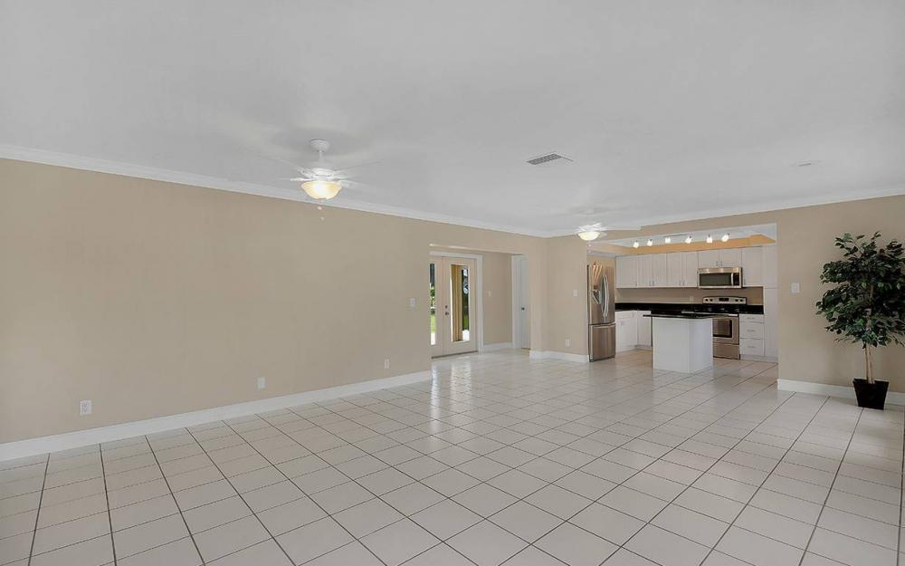 828 Miramar Ct, Cape Coral - House For Sale 739806562