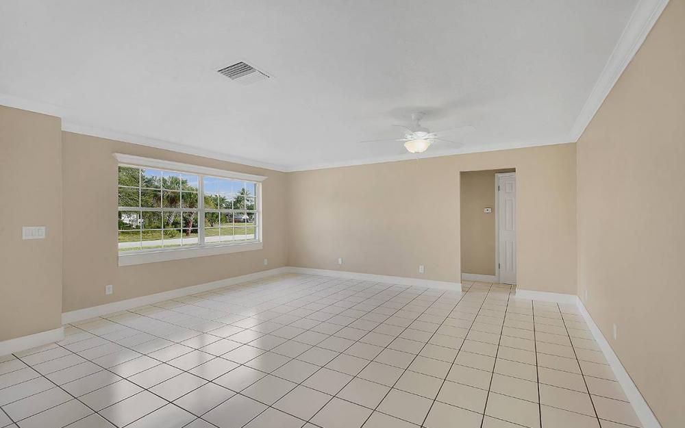 828 Miramar Ct, Cape Coral - House For Sale 1076351898