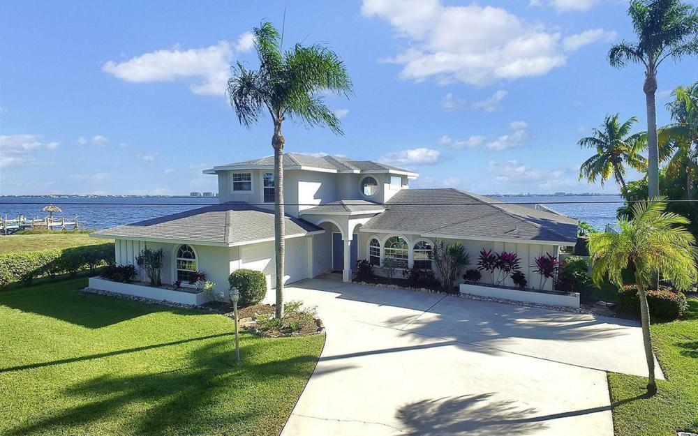 242 Bayshore Dr, Cape Coral - House For Sale 1705863347