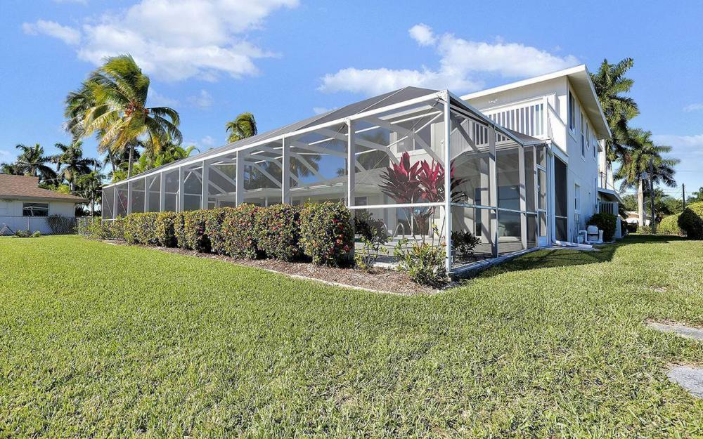 242 Bayshore Dr, Cape Coral - House For Sale 1212516305