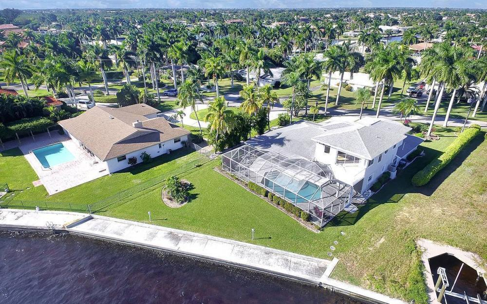 242 Bayshore Dr, Cape Coral - House For Sale 1418681953