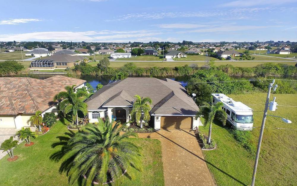 121 NW 8th Ter, Cape Coral - House For Sale 406983834