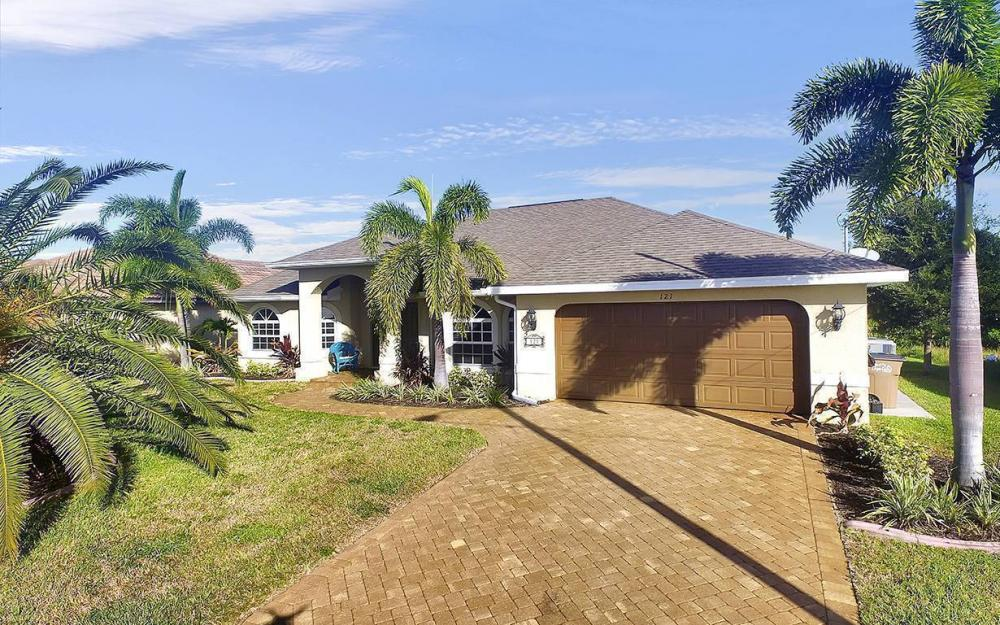121 NW 8th Ter, Cape Coral - House For Sale 677907535
