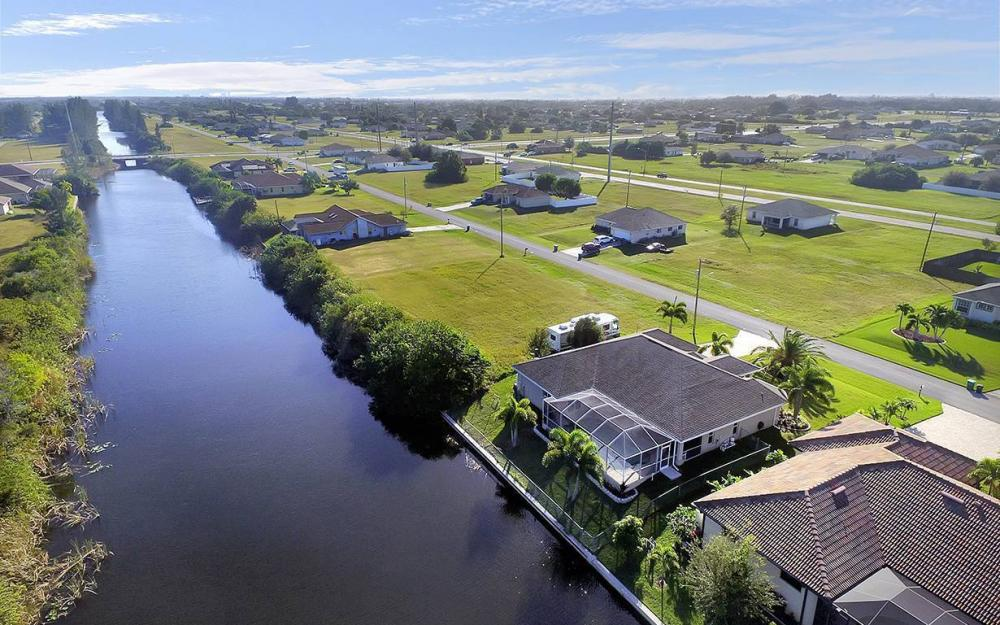 121 NW 8th Ter, Cape Coral - House For Sale 484934131