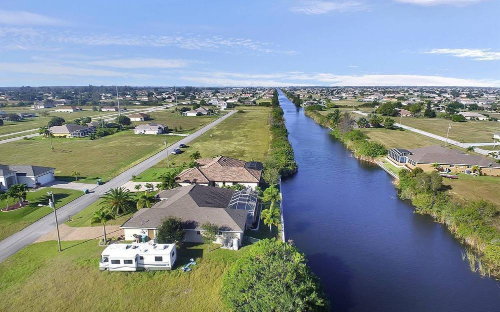121 NW 8th Ter, Cape Coral - House For Sale 168975866