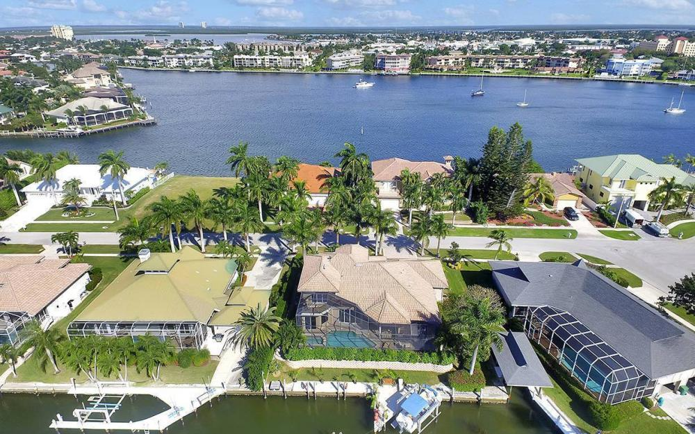 683 Solana Ct, Marco Island - House For Sale 861603809