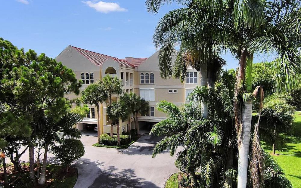4452 Yacht Harbor Dr #211, Naples - Condo For Sale 114107539