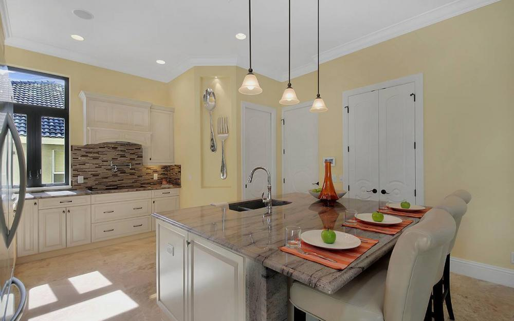 81 Gulfport Ct, Marco Island - House For Sale 2141875794