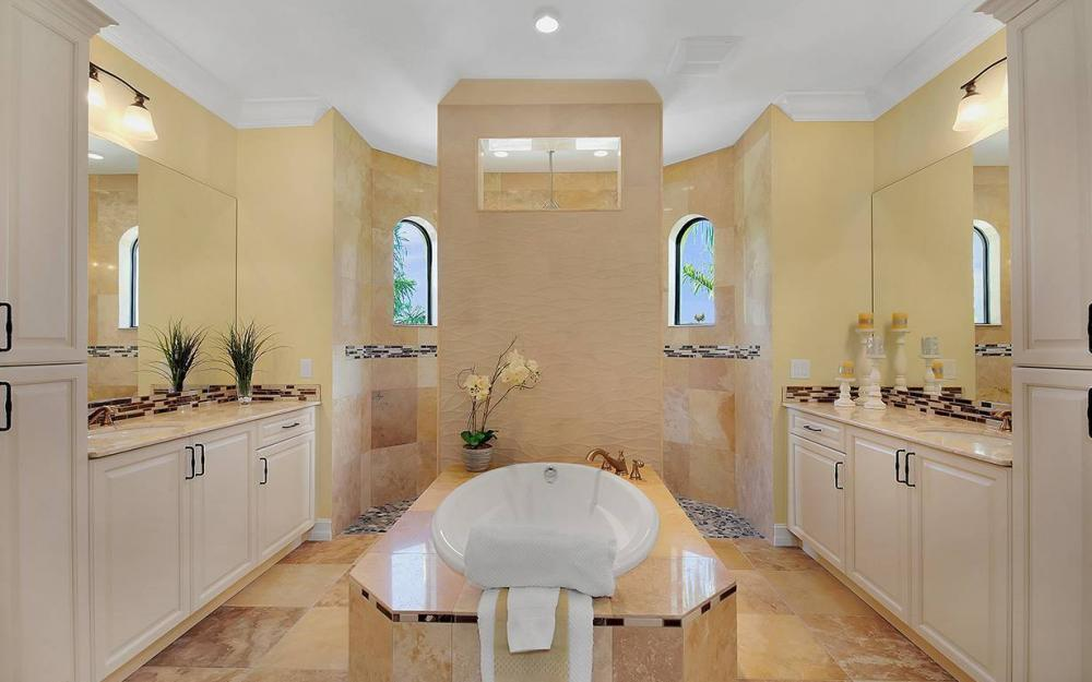 81 Gulfport Ct, Marco Island - House For Sale 1355461979