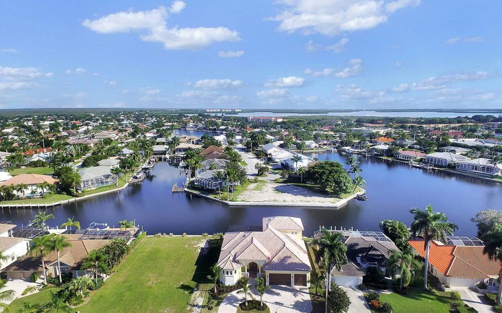 81 Gulfport Ct, Marco Island - House For Sale 1134663448
