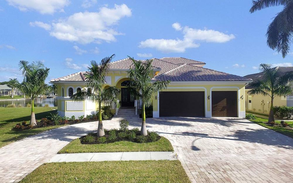 81 Gulfport Ct, Marco Island - House For Sale 1919887310