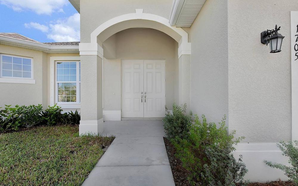 1705 SW 10th Pl, Cape Coral - House For Sale 860038400