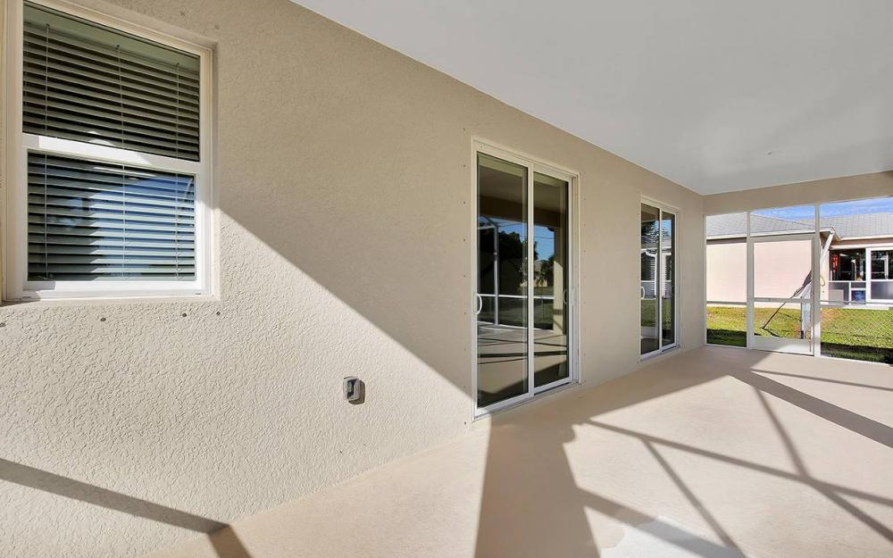 1705 SW 10th Pl, Cape Coral - House For Sale 980812076