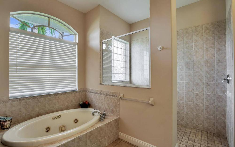 5240 Agualinda Blvd, Cape Coral - House For Sale 826271705