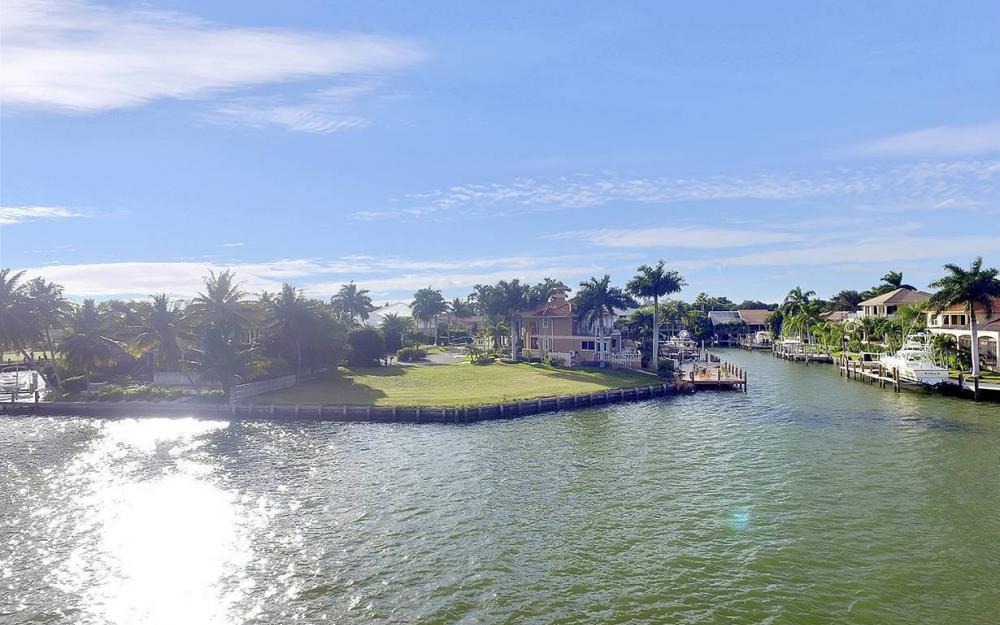 310 Henderson Ct, Marco Island - Lot For Sale 641059331