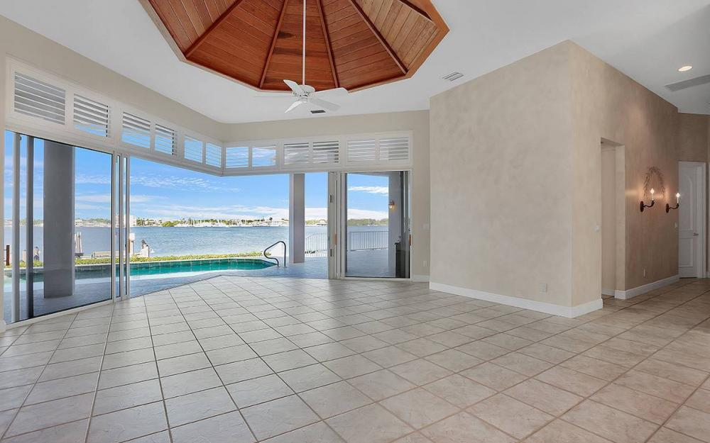 1521 Dolphin Ln, Naples - House For Sale 1771518463