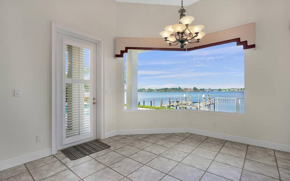 1521 Dolphin Ln, Naples - House For Sale 2128253508