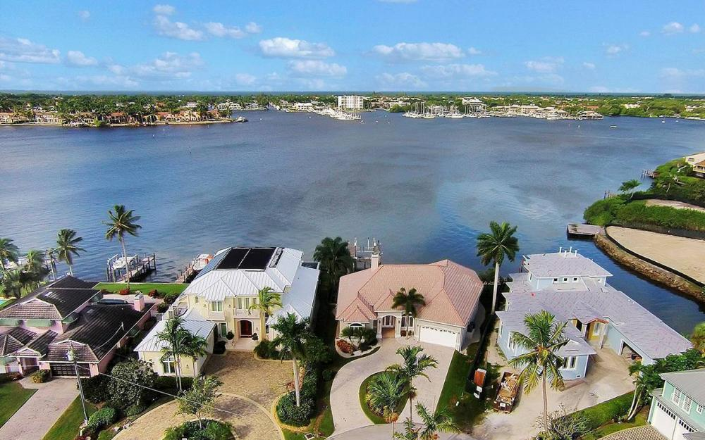 1521 Dolphin Ln, Naples - House For Sale 226877528