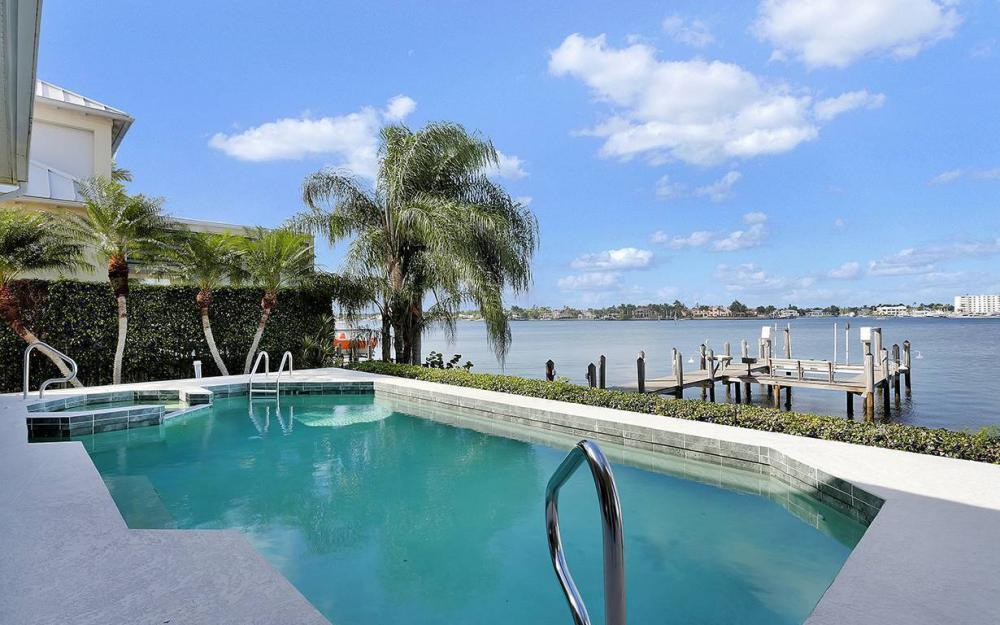 1521 Dolphin Ln, Naples - House For Sale 752177270