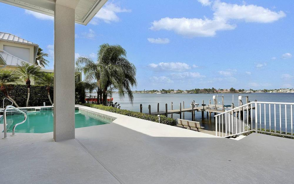 1521 Dolphin Ln, Naples - House For Sale 2032878583